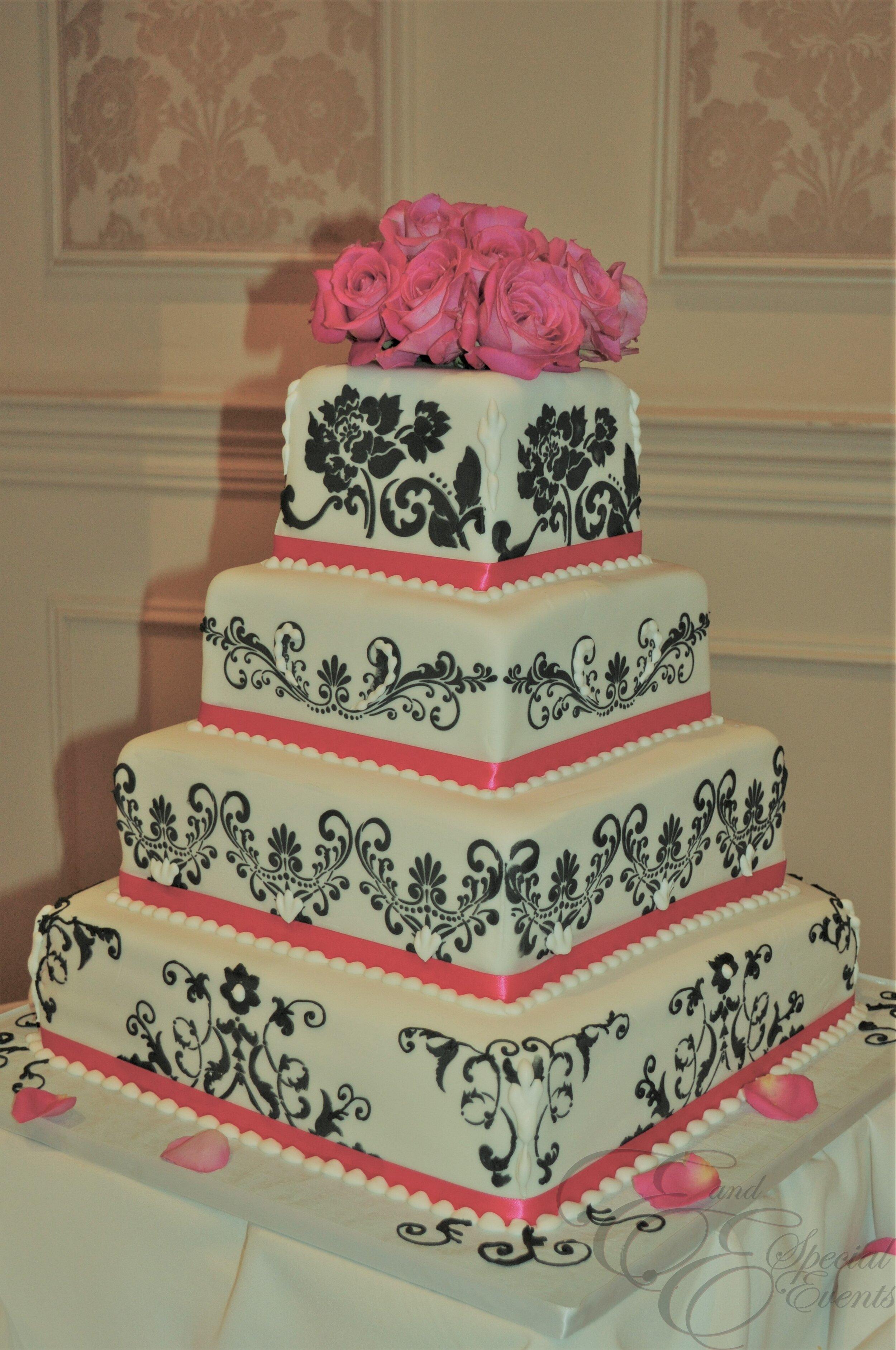 E_E_Special_Events_Unique_Wedding_Cakes_Virginia_Beach_Hampton_Roads24.jpg