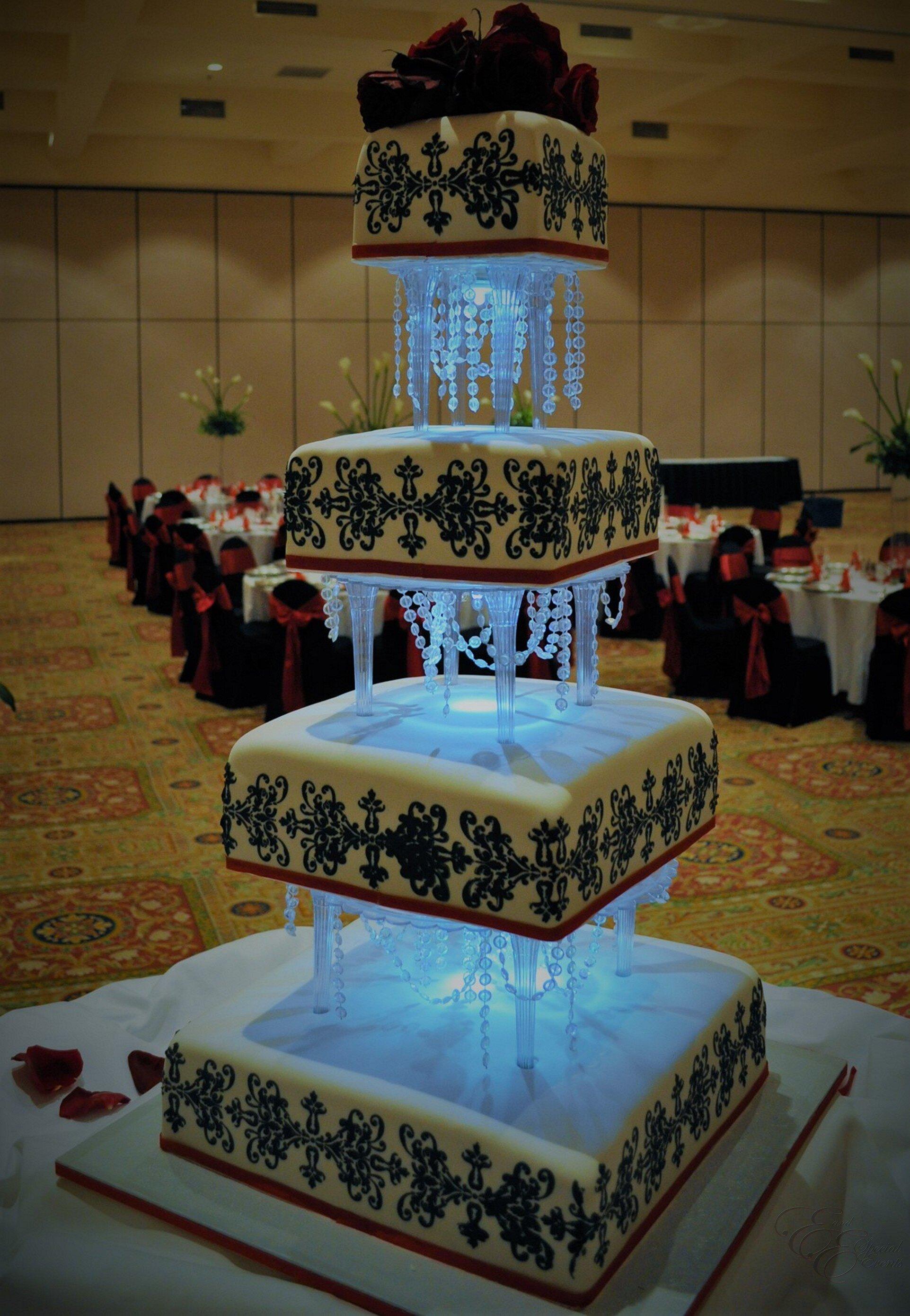 E_E_Special_Events_Unique_Wedding_Cakes_Virginia_Beach_Hampton_Roads27.jpg