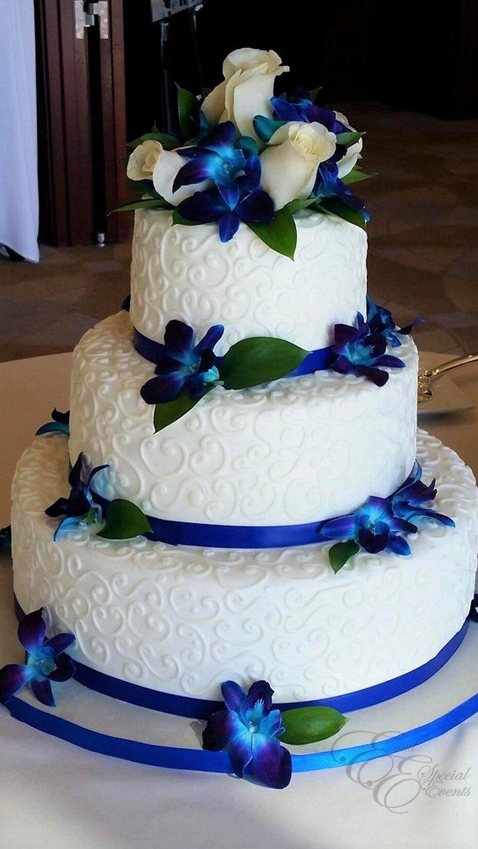 Blue orchid wedding cake.jpg