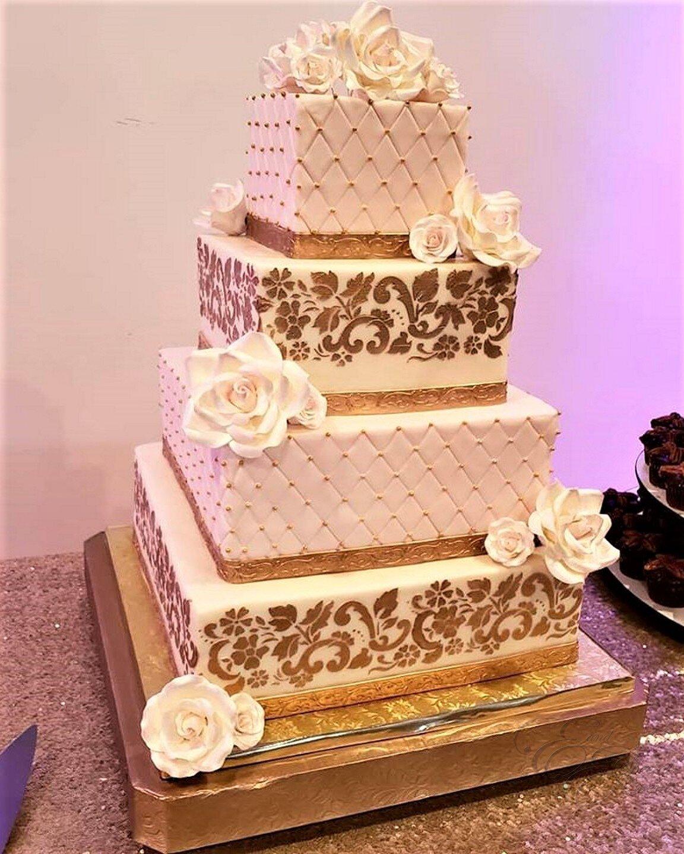 blush and gold wedding cake 2.jpg