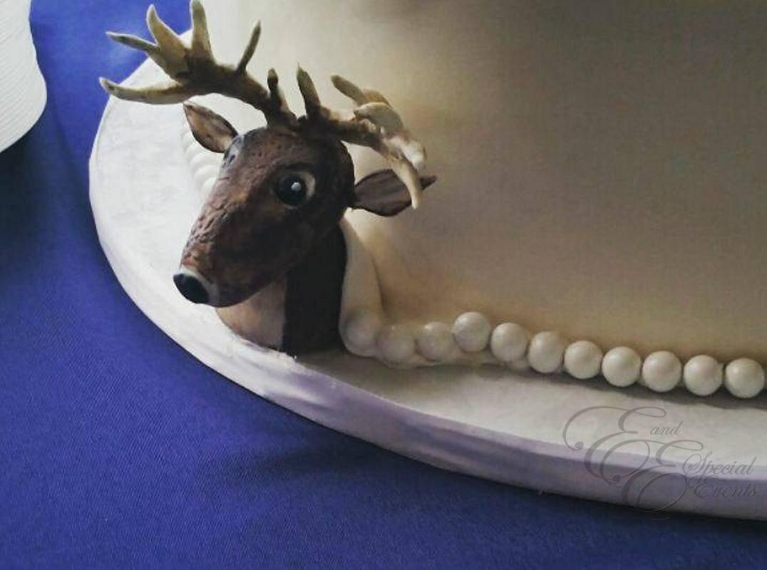 Deer wedding cake.jpg