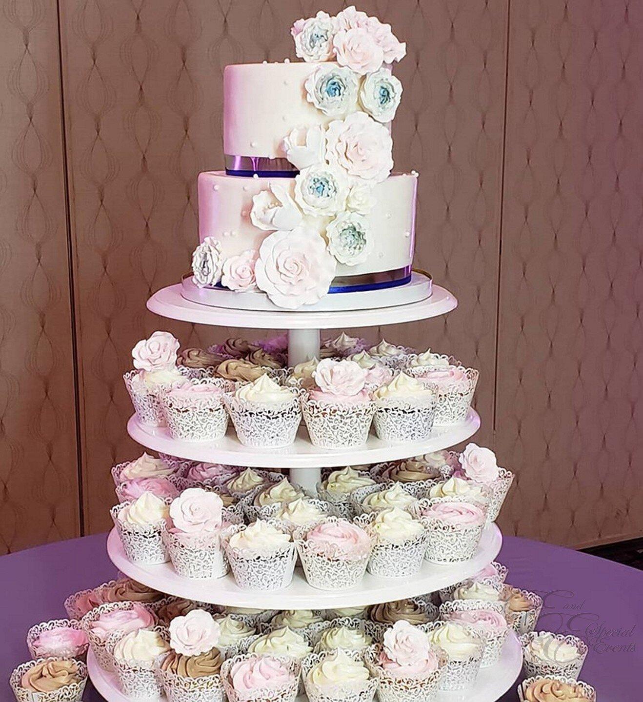 elegant cupcakes for wedding.jpg
