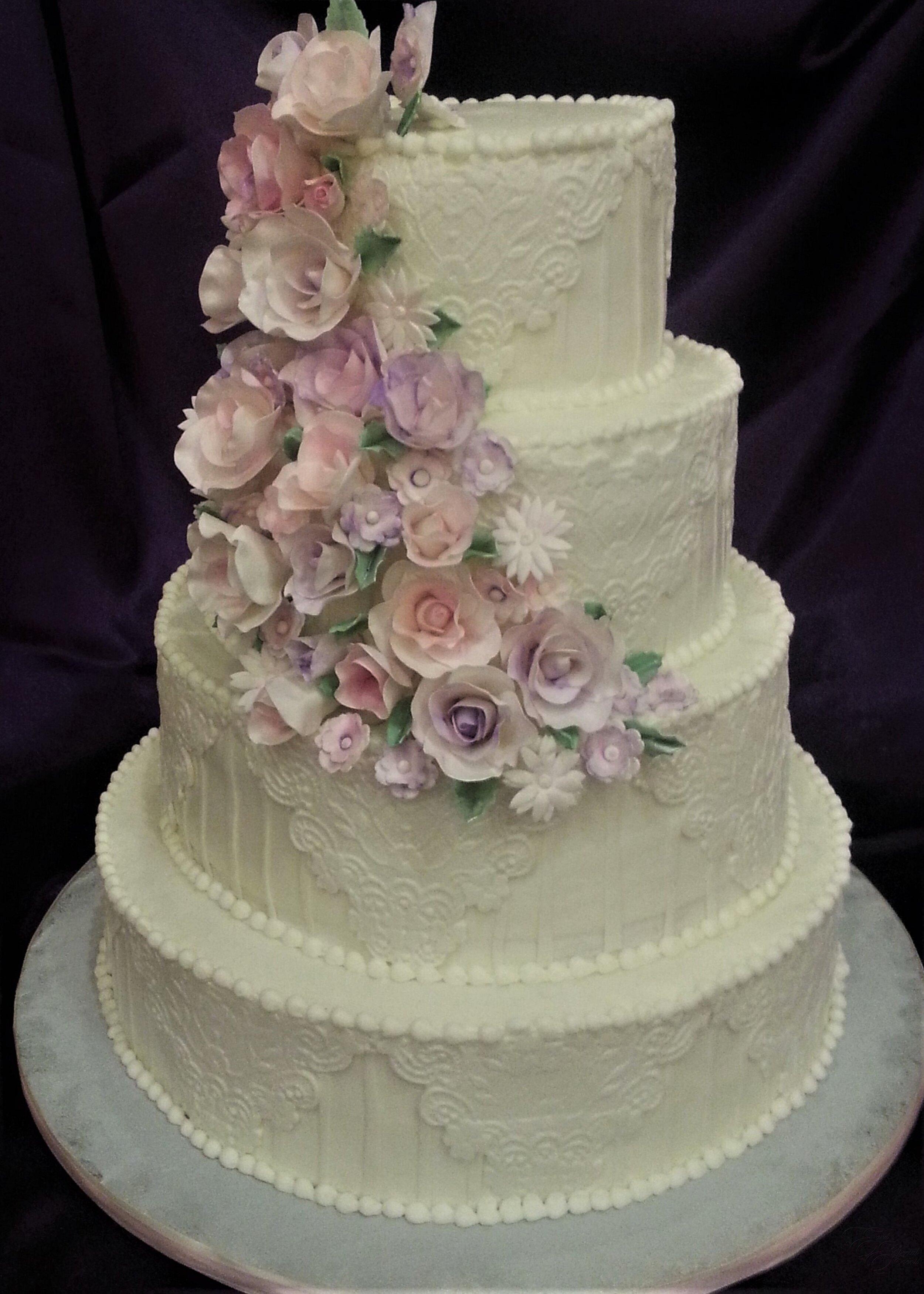 Fancy fondant cake.jpg