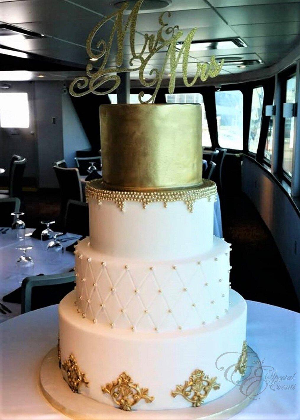 Gold wedding cake 2.jpg