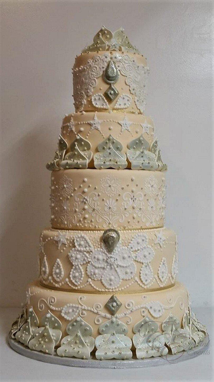 Intricate wedding cake.jpg