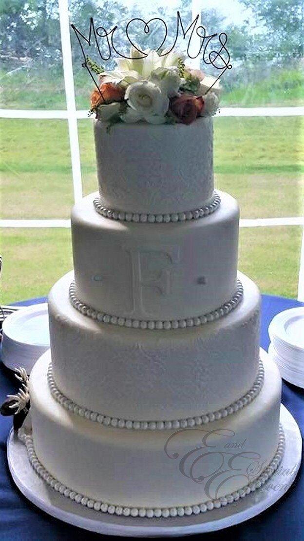 Monogram wedding cake.jpg