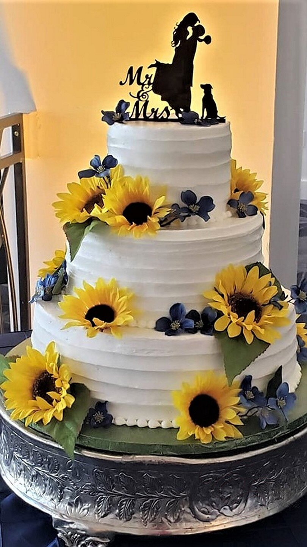 sunflower wedding cake.jpg