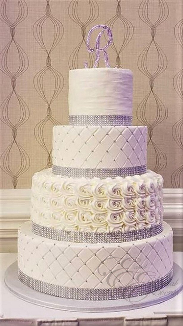 White and silver wewdding cake.jpg