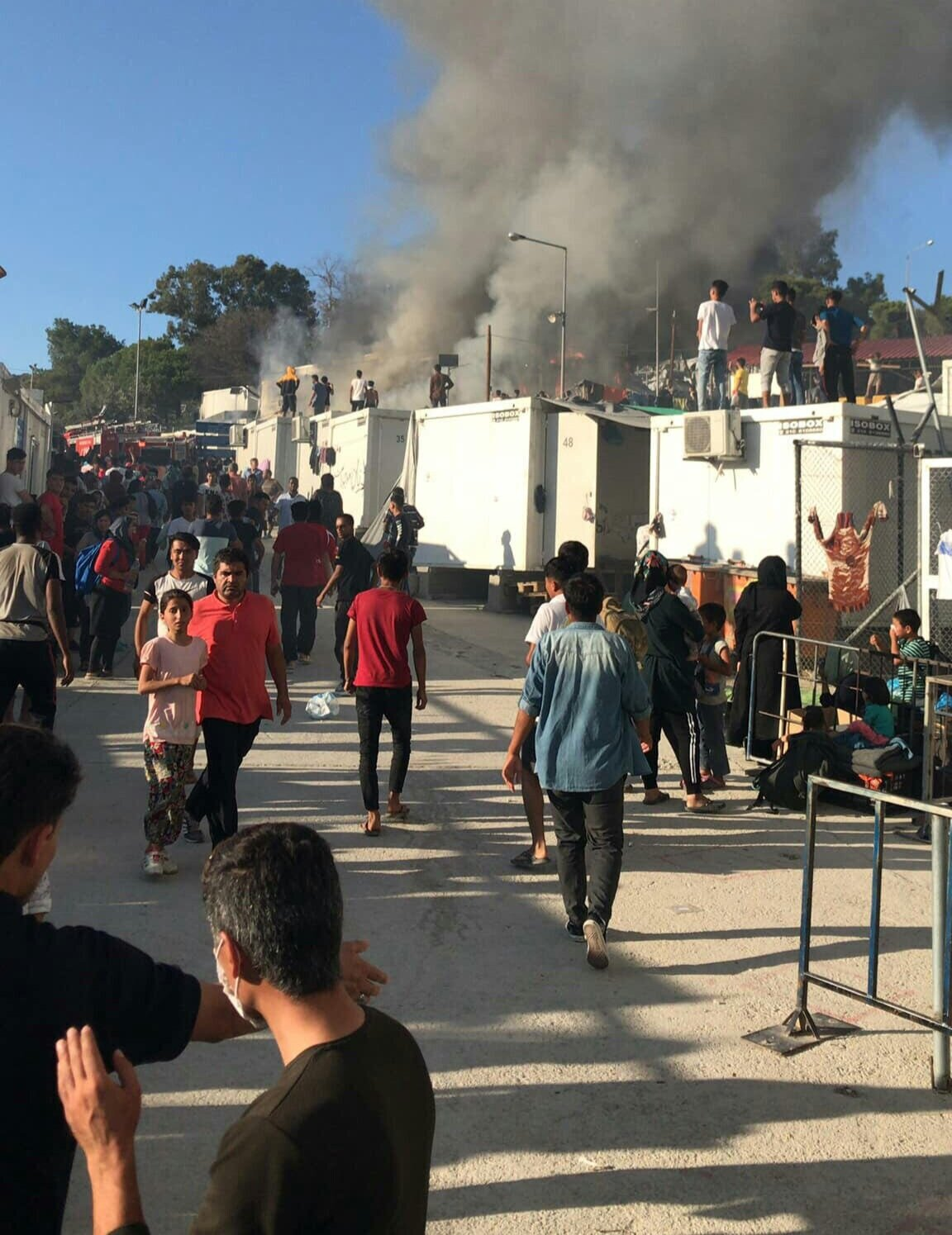 At least one woman died in the last fire in Moria camp on 29th of Septemer 2019, many others including babies were heavily injured. (image: RESPOND Project Team)