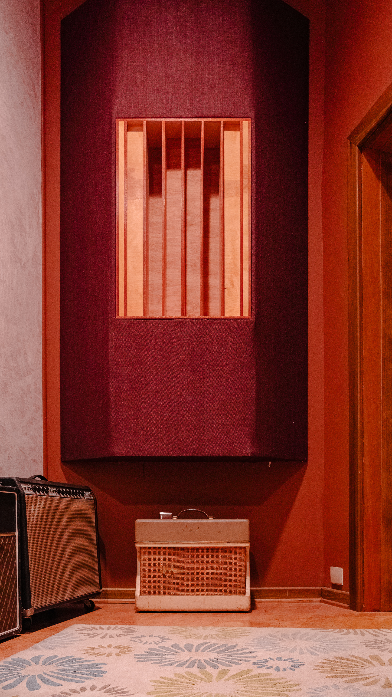 PrimeRecordingStudio-JoshKeith-DerekGarten-Nashville_AmpRoom1.JPG