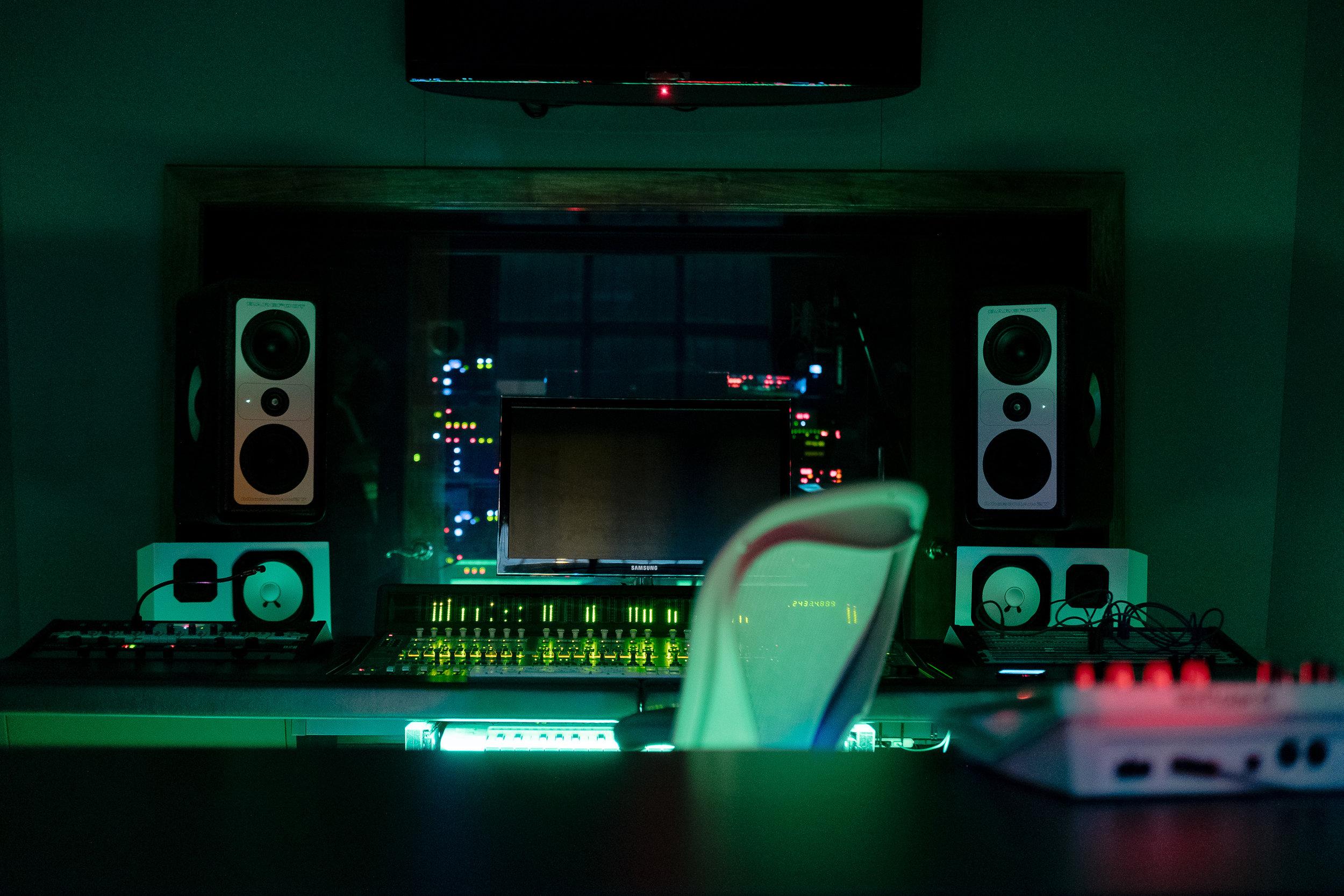 PrimeRecordingStudio-JoshKeith-DerekGarten-Nashville-ControlRoom2.JPG