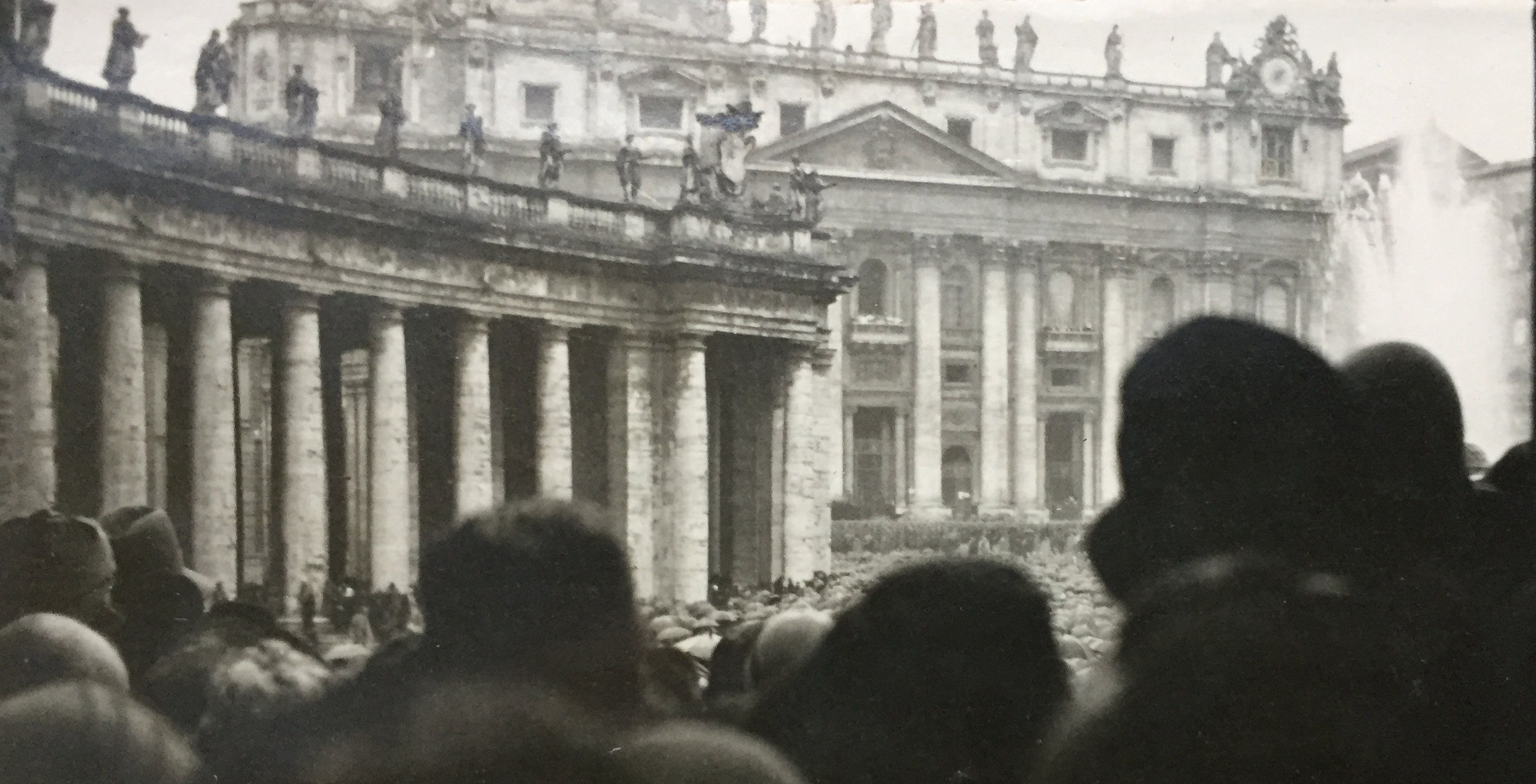 The crowd in St Peter's Square on Tuesday, 12 February 1929, awaiting the blessing of Pope Pius XI   Archivum Venerabilis Collegii Anglorum de Urbe (AVCAU), Photographic collection, 1929