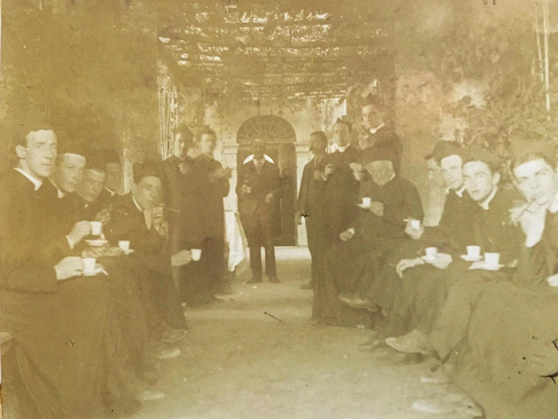 Coffee after lunch, Monte Porzio, 1909