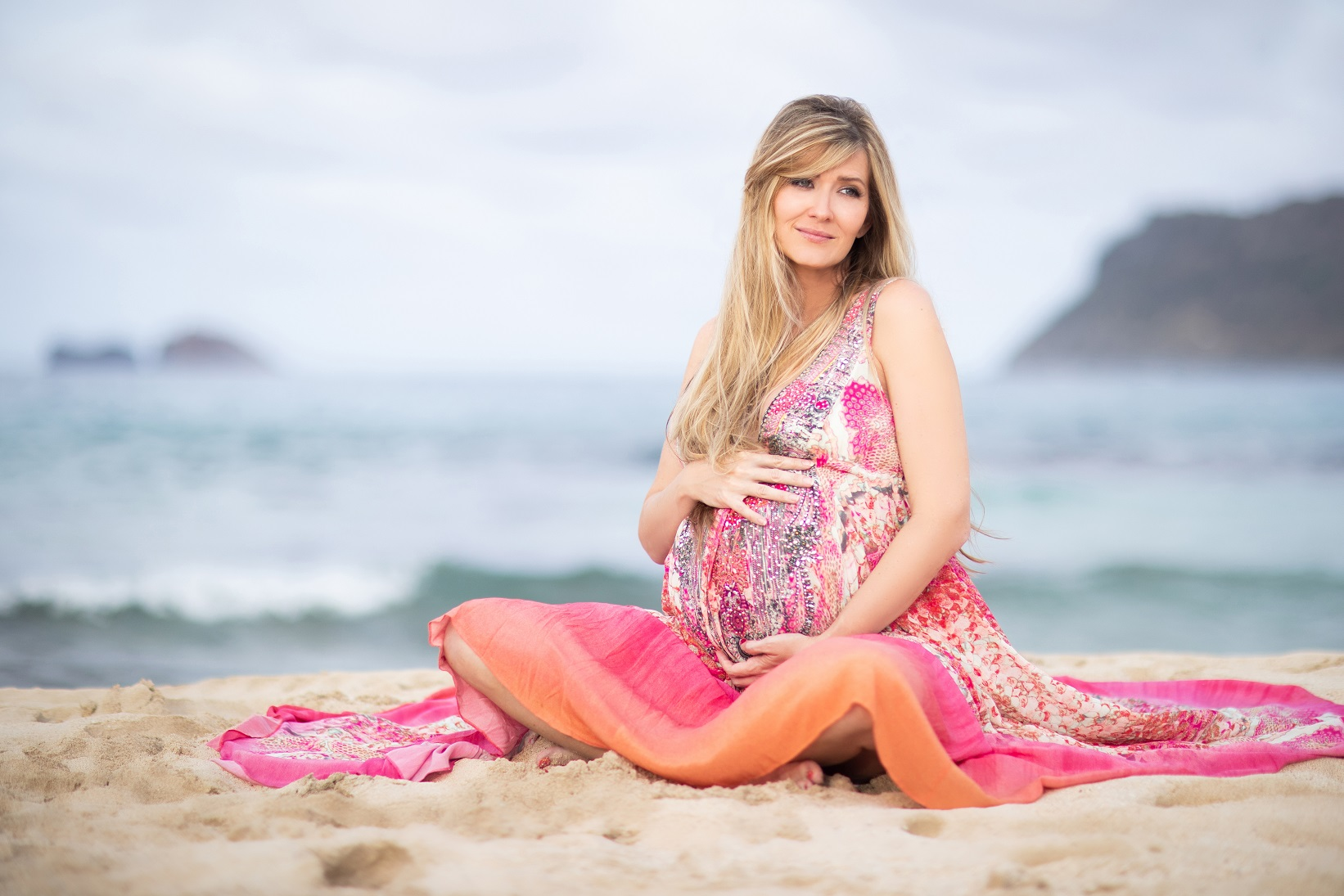 oahu hawaii beach maternity baby bump portrait