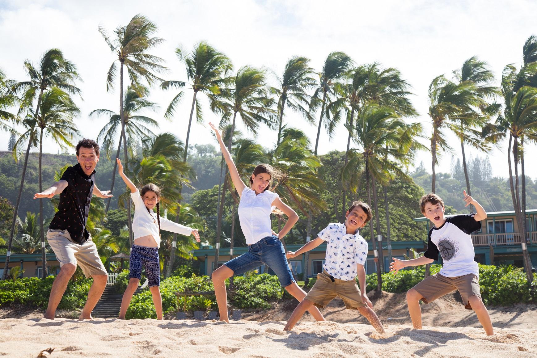 family beach fun waikiki honolulu oahu photography