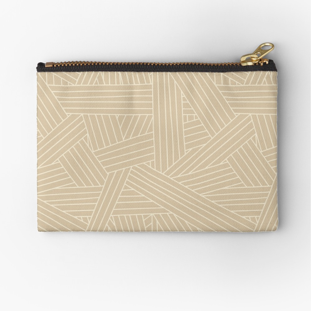 Love Zipper bags to use for holding makeup, snacks for the kids or all my mechanical pencils while I am on the go, and this neutral pattern is perfect for a mature relaxed look