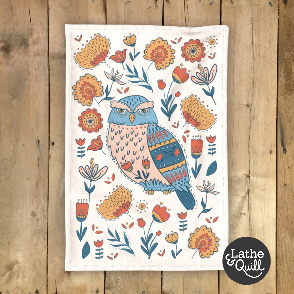 Folkstory of an owl with lots of flowers