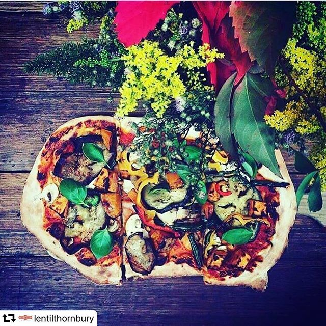 Vegan pizza is always a good idea! Come join us Wednesday night @lentilthornbury over a tasty beverage 7$ beers and wines. • • • • • • #vegan #veganfood #plantbased #healthy #food #whatveganseat #healthyfood #Melbourne #melbourne_insta #melbmoment  #city #vibes #ilovemelbourne #seeaustralia