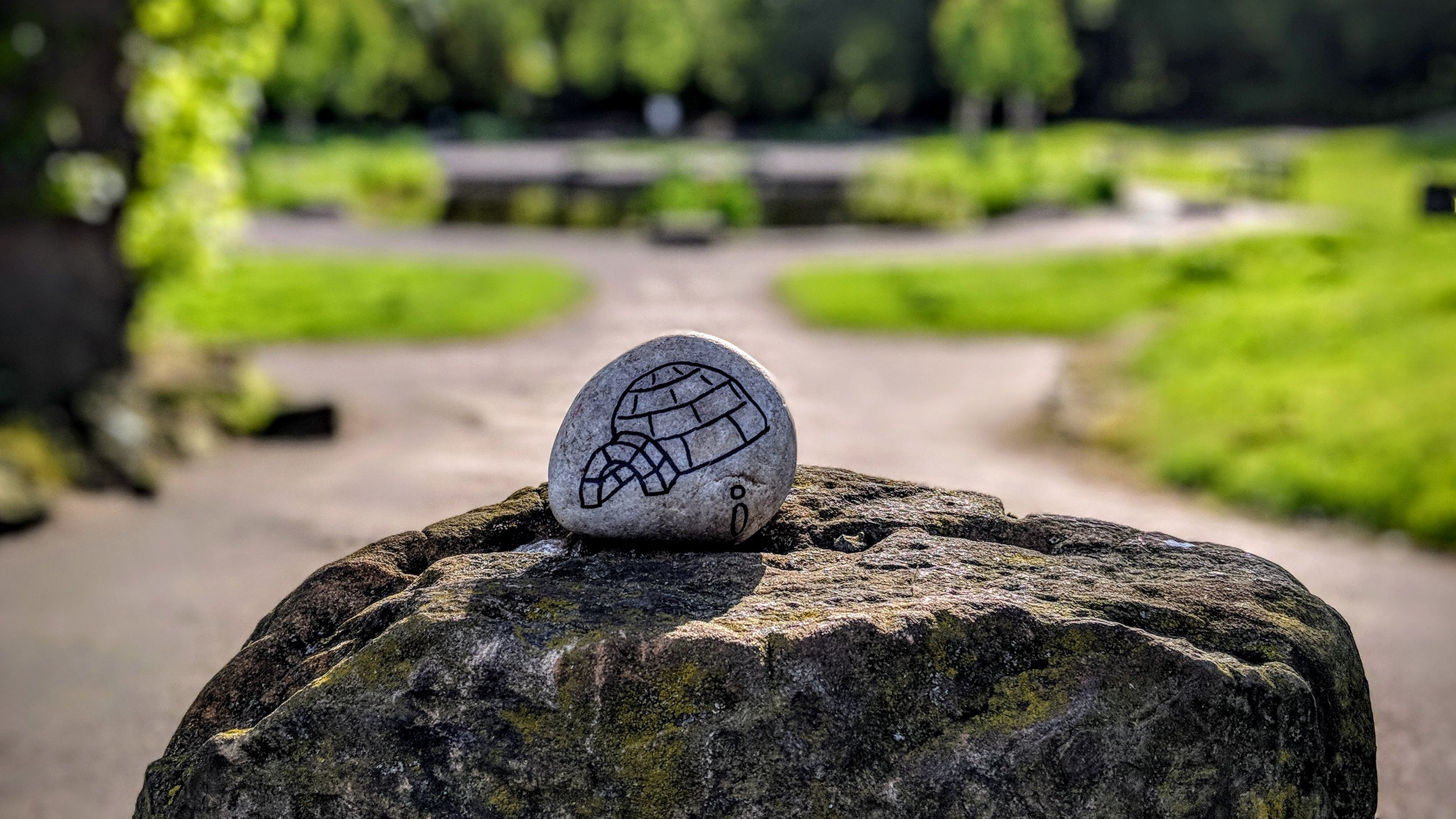 Igloo drawn on a rock