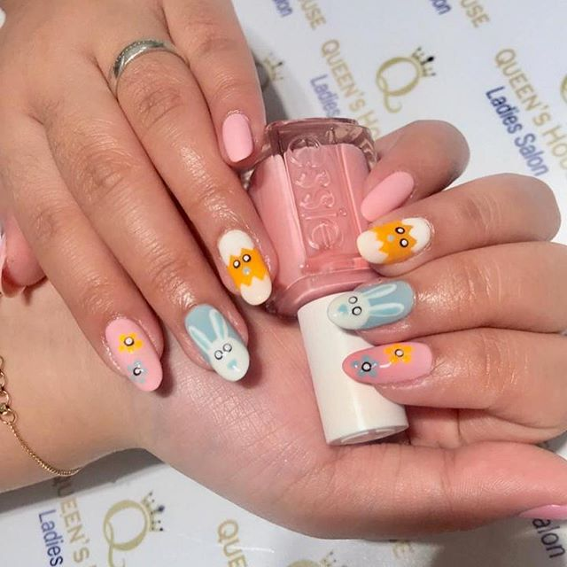 #easternails done by our beauty specialist Marjorie. 🐣 . . . . #dubainails #manicure #eastermanicure #dubaisalon #ladiessalon #vipsalon #nailinspo #nailswag #naildesign #nailartist