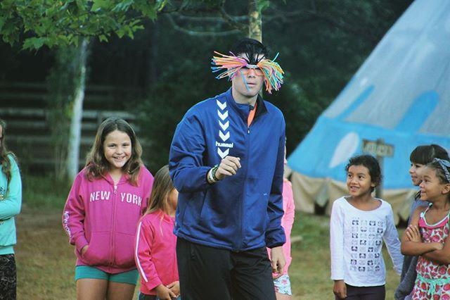 Los campamentos para niños vienen cargados de magia, grandes valores y pura diversión :) ¿Quién se acuerda de este personaje? 🐦 #otitnot #erbil #indios #campamentos #campaments #indis #aventura #estiu2019 #verano2019 #tipis #larcada #santmiqueldecampmajor #campamentsgirona