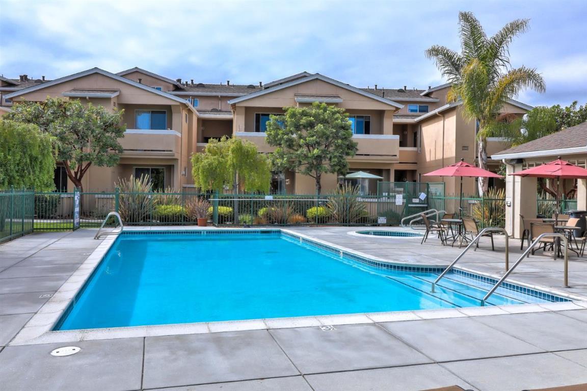 220 Everson Dr, Santa Cruz, CA 95060