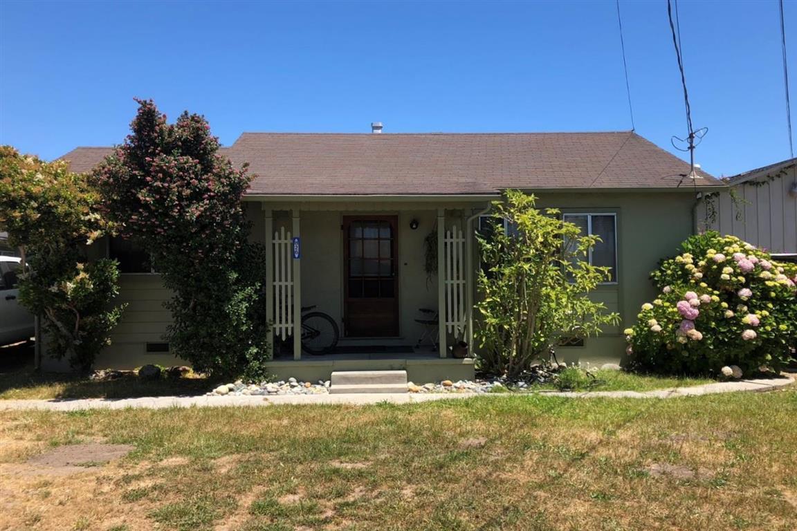 826 38th Ave, Santa Cruz, CA 95062