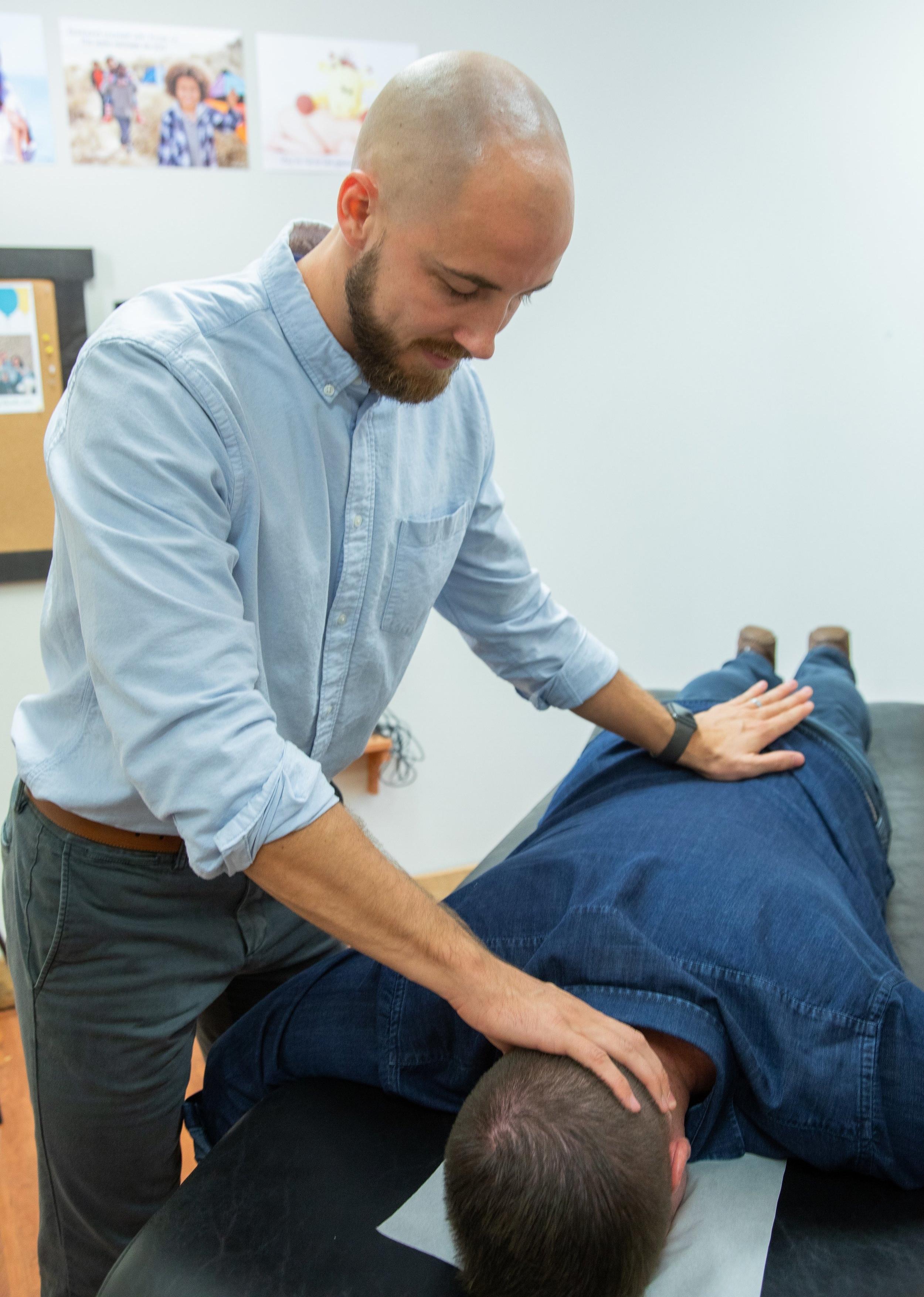 Restoration-Family-Chiropractic-chiropractor-adjustment-trt.jpg