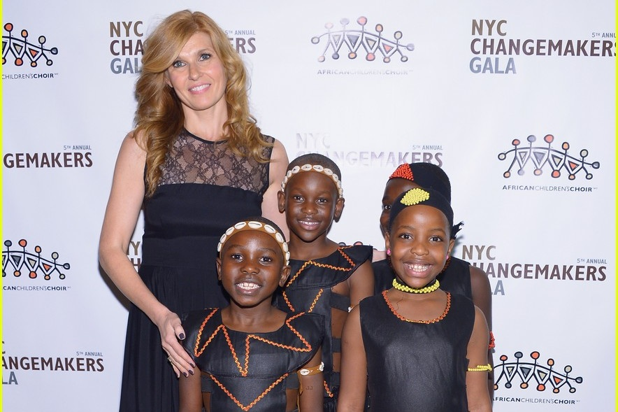 2013 b - connie-britton-african-childrens-choir-gala-with-sheryl-crow-09.jpg