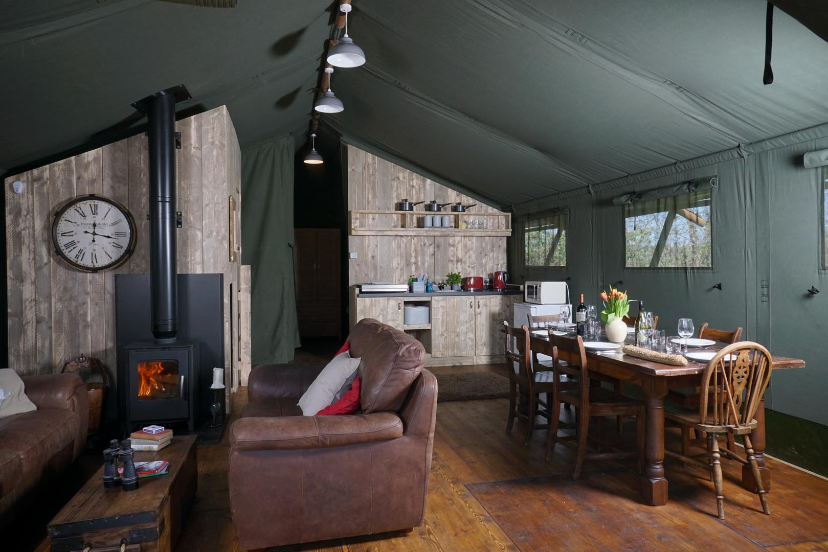 Luxurious-interior-of-Goshawk-Lodge-Gilestone-Glamping-in-Talybont.jpg