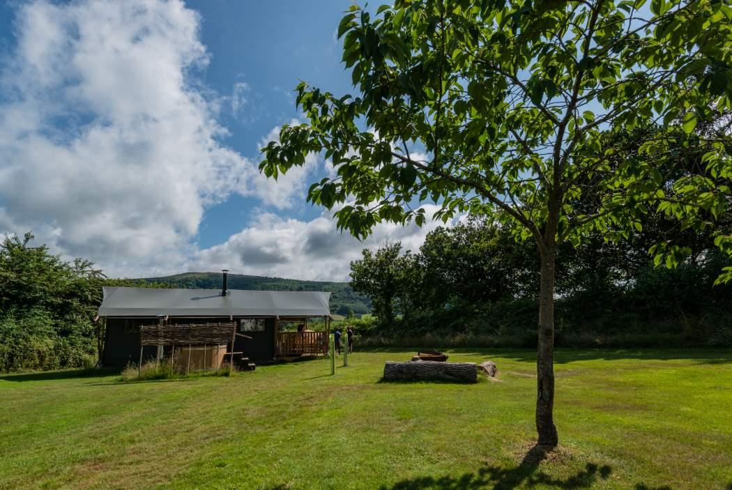 Dove Lodge, GIlestone Glamping, Talybont, Brecon