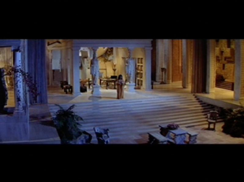 Giant Cleopatra -