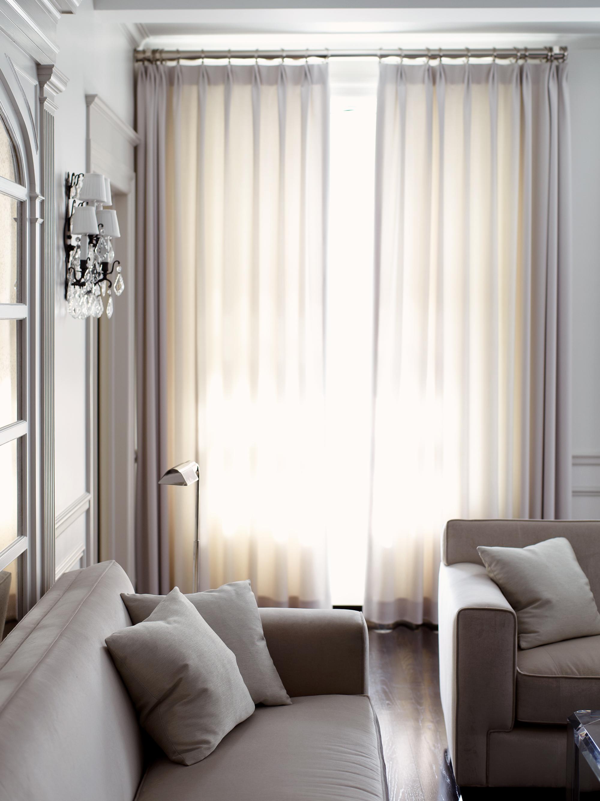 Living_Room_1725.jpg