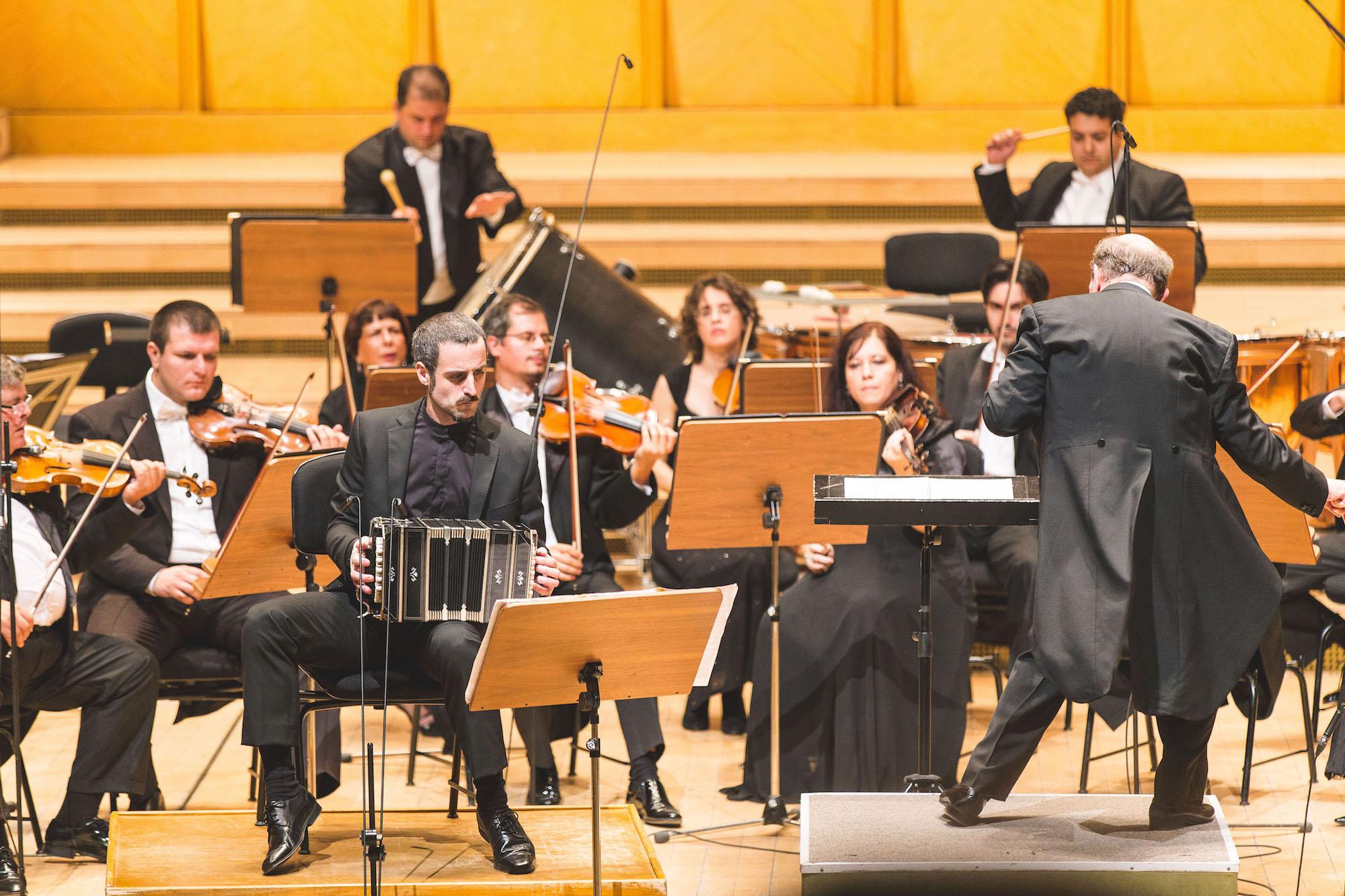 Omar-Massa-Playing-Bandoneon-Orchestra.jpeg