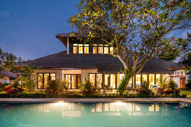 house + pool.jpg