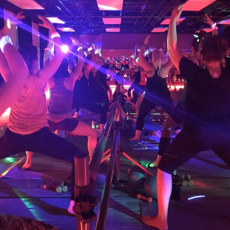 glow+at+the+barre.jpg