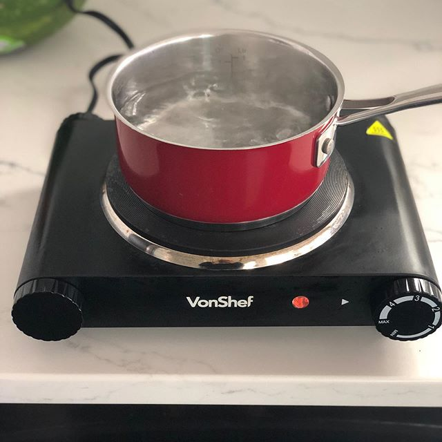 Shooting some cool stuff today with my @vonshef.us single hot plate! . . . Sidenote I purchased 2 of these babies before the house fire and little did I know that they would be life savers in our kitchen renovation journey . . . With not having a stove for the first couple weeks of us moving back in due to all the not so fun inspections we essentially had no way to cook any meals. . . That's where Von Shef came in!!!! . . . Moms these are must have even if you are having a get together and  all your burners on your stove are being used!!!!! . . . They are affordable, don't consume a lot of space and are easy to store! 🥘 . . . #samanthaandthecity #blog #blogger #denverblogger #momsofinstagram #cook #homemade #lovewhatyoudo #foodie #foodblogger #iger #foodphotography #contentcreator #content #creator #wednesday #motherhood #boymom ##chef #baker #sweets #dessert