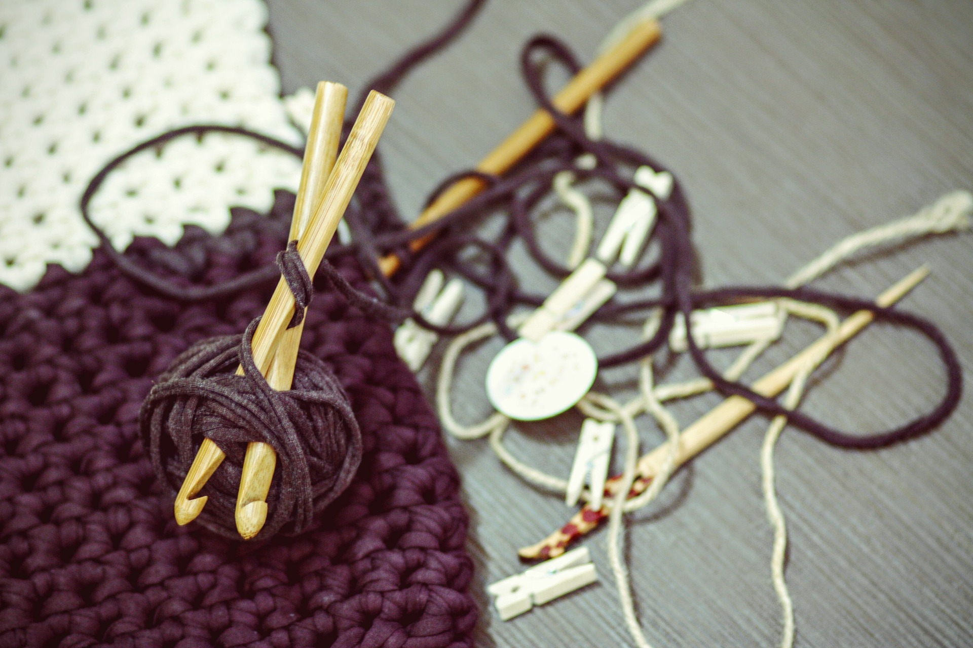 crocheting-1479213_1920.jpg