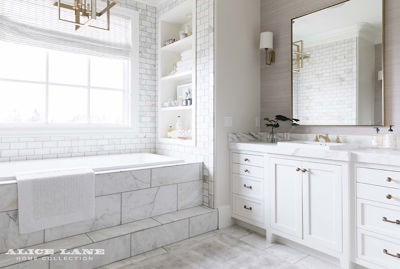 Ivory Lane Master Bathroom | Alice Lane Interior Design | Photo by Nicole Gerulat