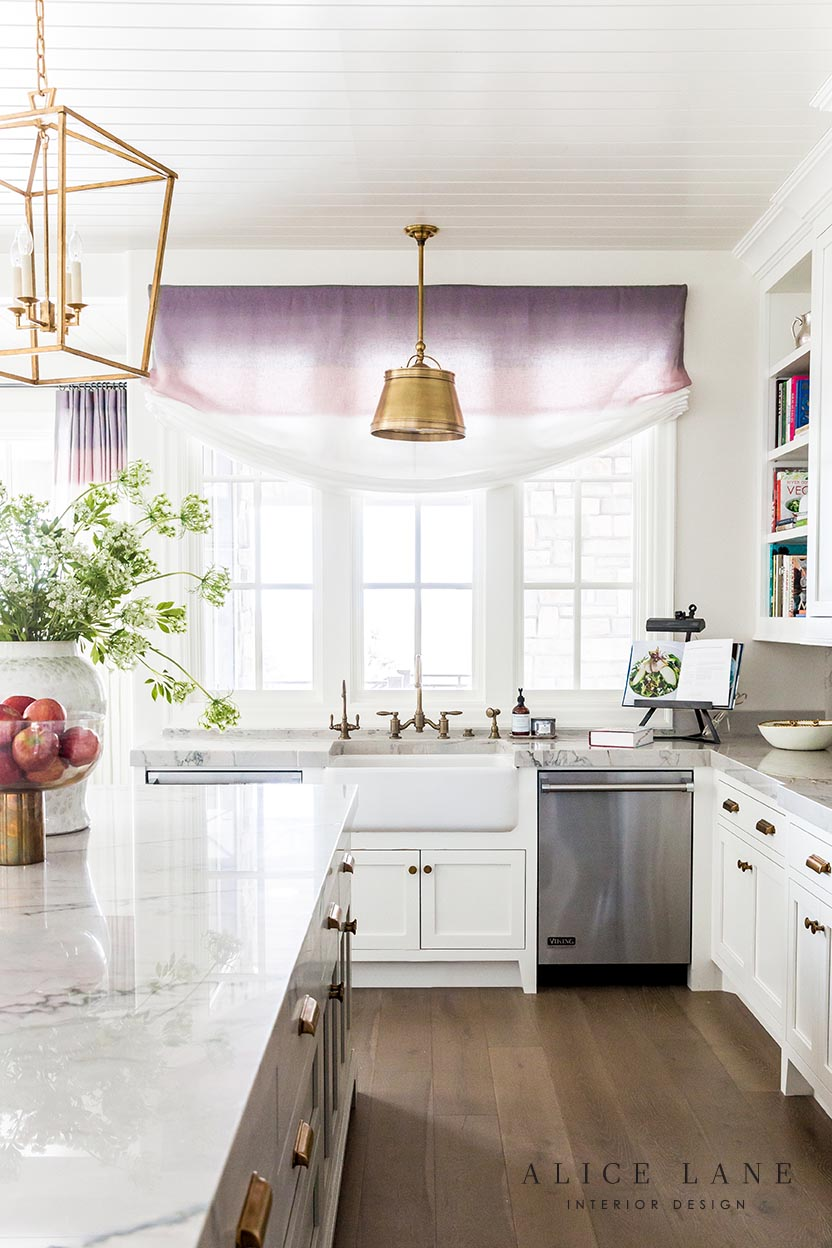 Ivory Lane Kitchen | Alice Lane Interior Design | Photo by Lindsay Salazar