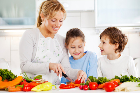 Mother-and-children-cutting-vegetables.jpg