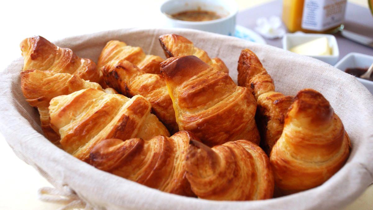 Croissant-2-e1535009420396.jpg