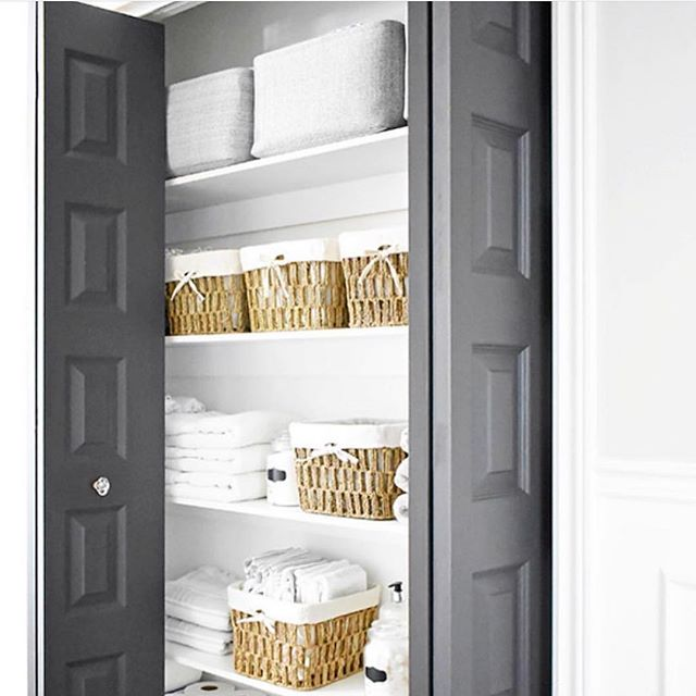 What does your linen closet look like? Does it inspire you to keep it neat & tidy like this fresh & airy closet? Or does it inspire you to shut the doors immediately and run far far away? 😜 If you're relating to the latter, give us a call to schedule your consultation! We'd love to help you get organized for Spring! ✨ • • • • • #bathroomdecor #bathroomorganization #bathroomremodel #drawerorganization #drawerorganizer #springcleaning #professionalorganizer #organization #dallasinteriordesign #dallasrealestate #designinspiration #organizationideas #dallastx #friscotx #mckinneytx #interiordecor #clean #inspohome #closetorganization #shoplocal #family #functional #repurposed #dfwrealestate #dallaslife #dallasblogger #dallaslifestyle