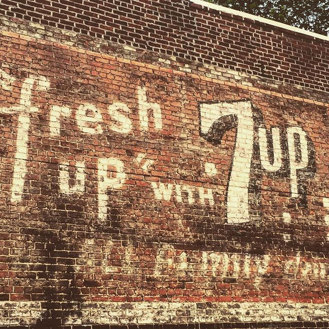 Fresh up, with 7up. Shockoe Bottom: Richmond, VA. #fonts #rva #richmondfonts #bricks #oldsigns