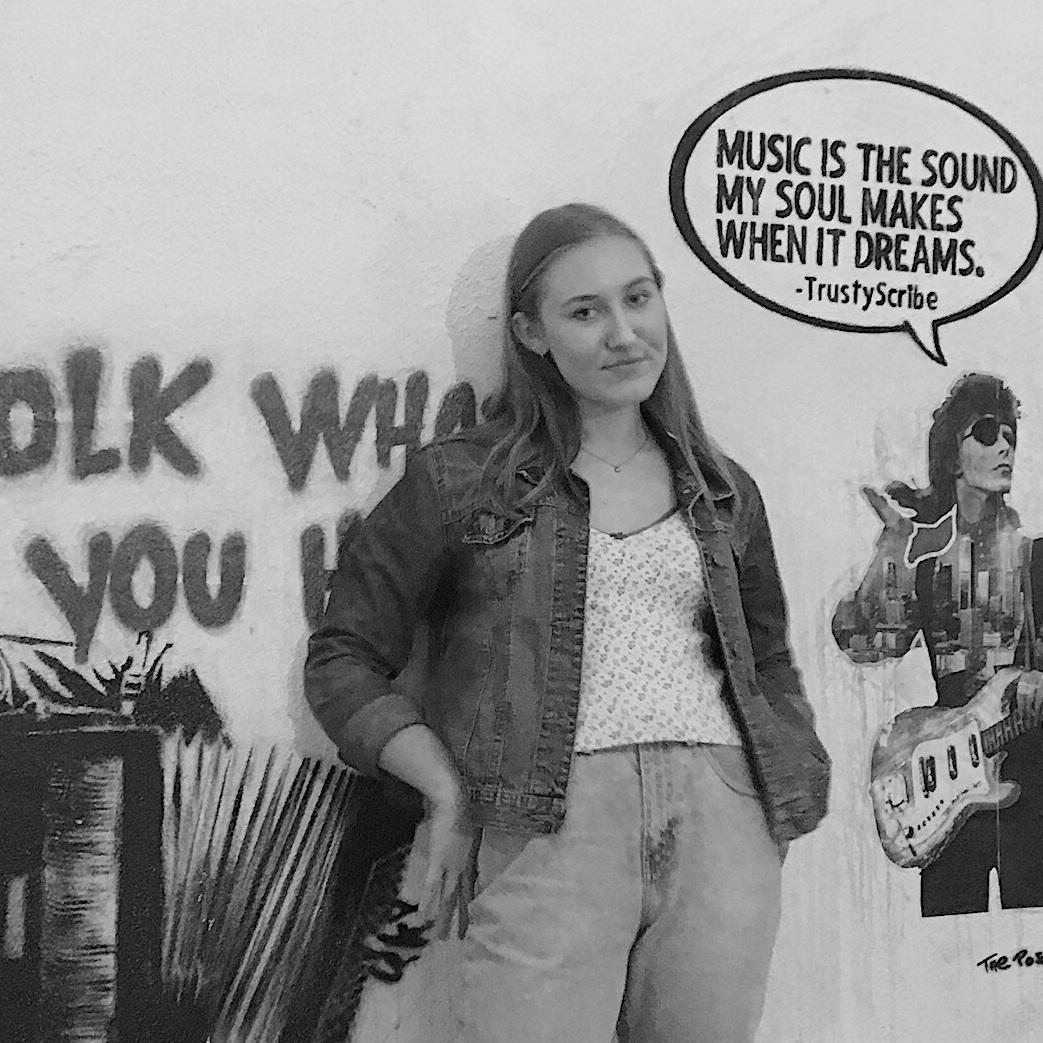 Eva Hochhaus - SINGER + SONGWRITERABOUT EVA