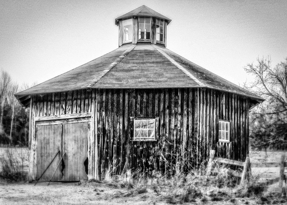Abandoned-Barn-4.jpg
