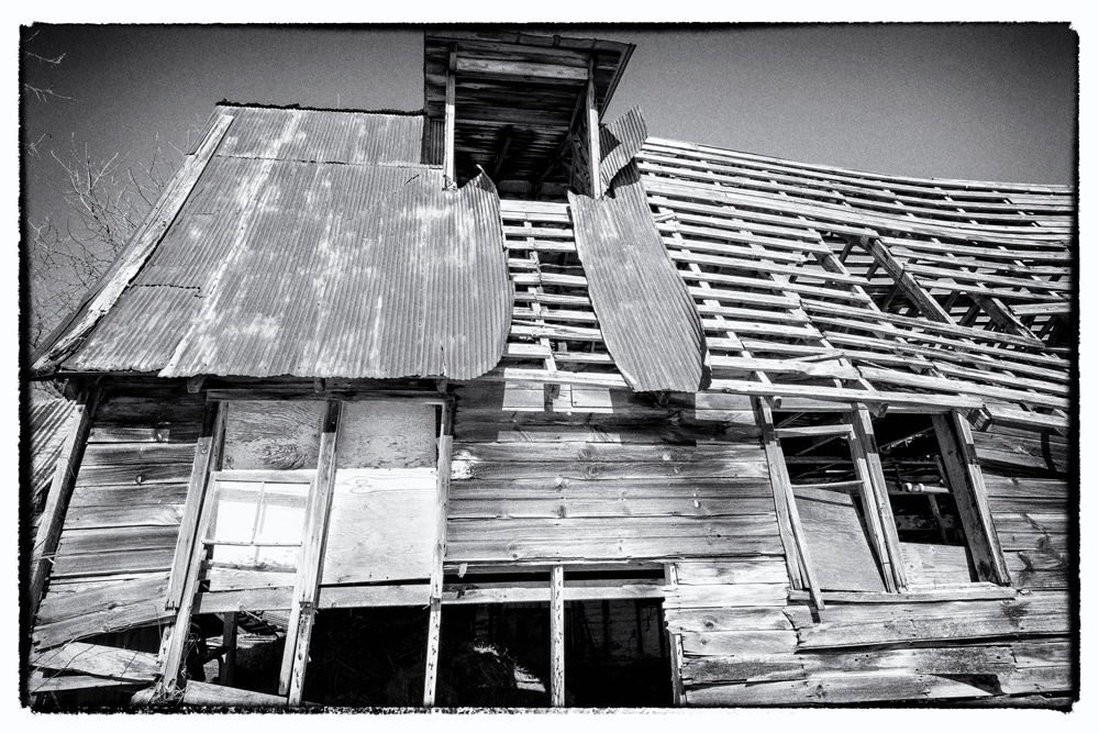 Abandoned-Barn-10.jpg