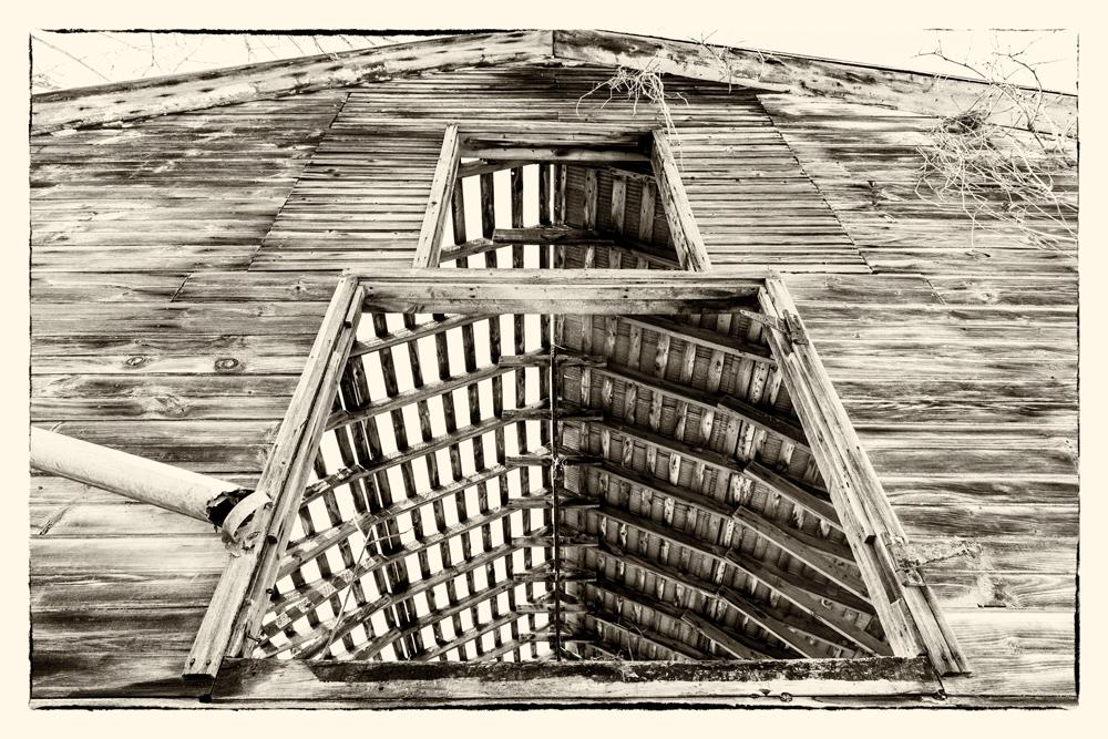 Abandoned-Barn-12.jpg