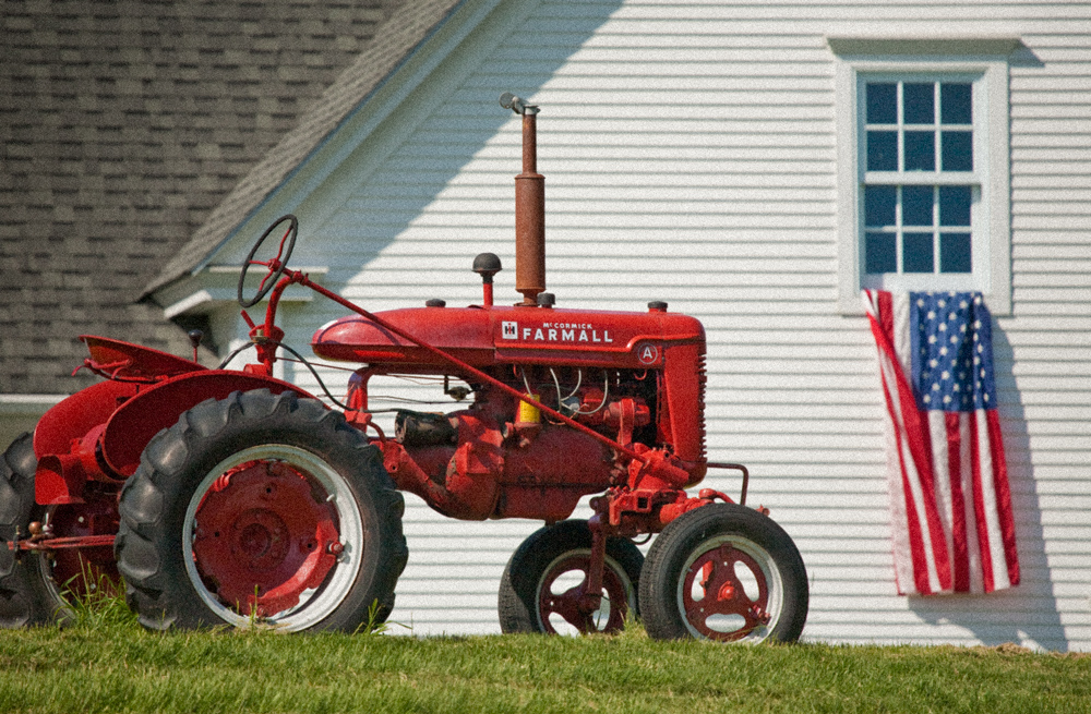 Restored-Antique-Tractors-1.jpg
