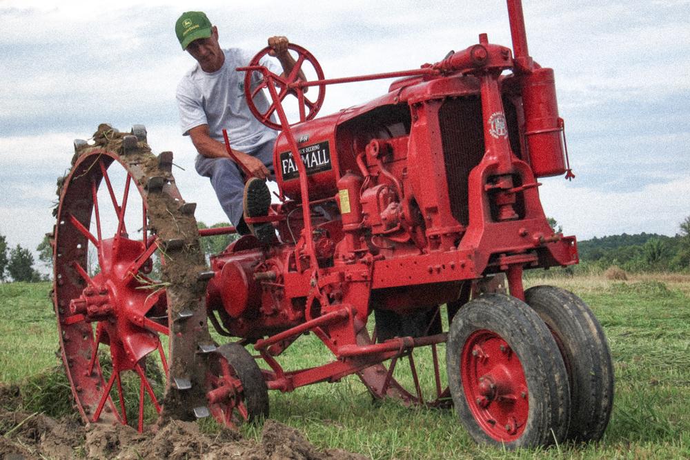 Restored-Antique-Tractors-13.jpg